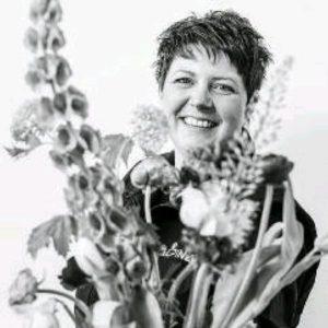 Diane Born | Alpina Bloemen